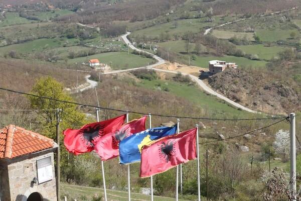 Poseta Gračanici: Srbi odlaze tiho zbog budućnosti svoje dece (FOTO)