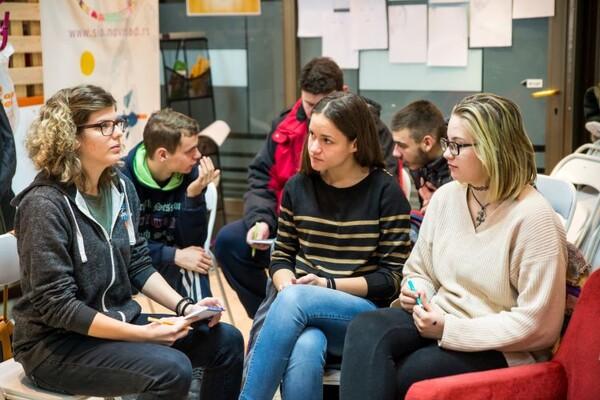 FOTO: Novosadski srednjoškolci i studenti progovorili o problemima koji ih tište