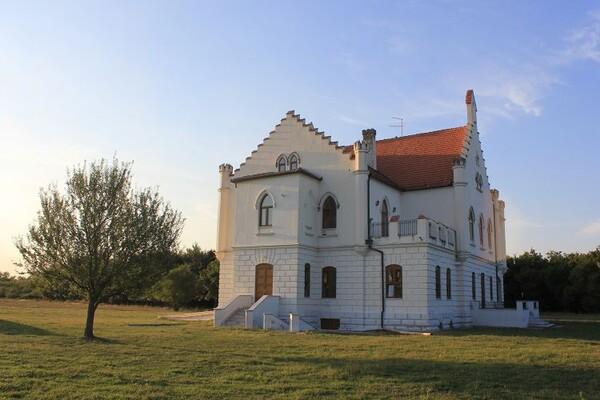 NAŠ PREDLOG: Posetite najlepše dvorce Vojvodine (FOTO)