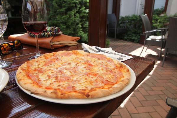 NAŠ IZBOR: Gde se u Novom Sadu jede najbolja pica