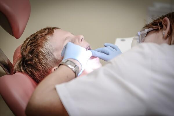 SAVET LEKARA: Kada dete odvesti prvi put kod stomatologa ?!