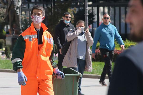KRIZNI ŠTAB: Maske obavezne i na otvorenom, zabrana okupljanja više od deset ljudi