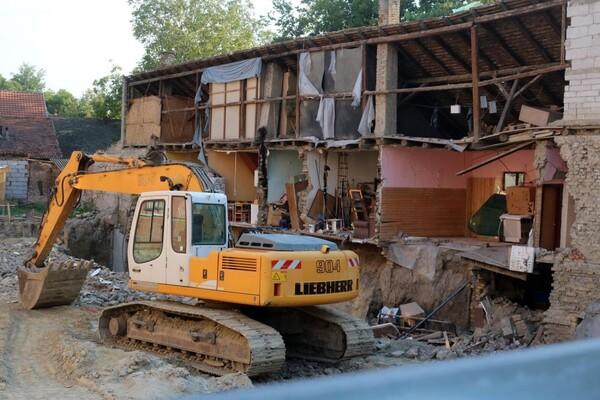 Stanari porušene kuće u Dositejevoj 11 već šest dana bez odgovora investitora
