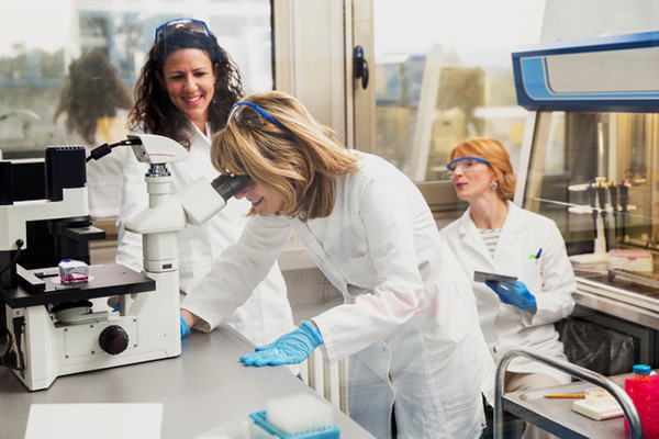 NOVOSAĐANI: Laboratorija za ispitivanje prirodnih resursa farmakološki i biološki aktivnih jedinjenja