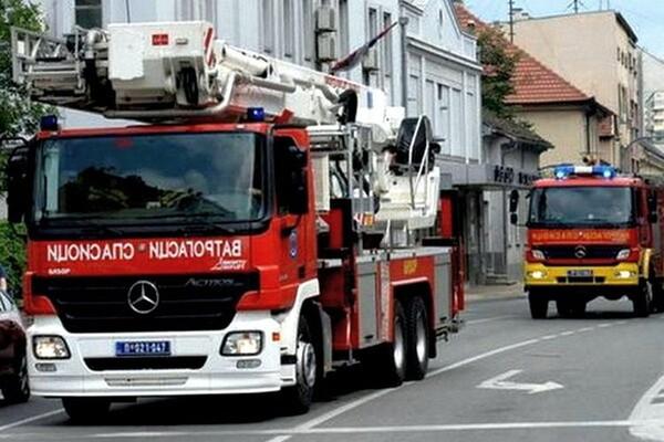 "POŽAR U PEKARI ""EVROPA"": Prolaznik i vatrogasci sprečili tragediju"