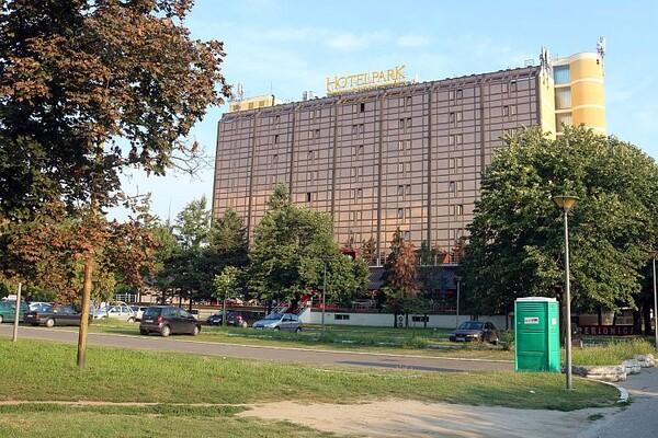 "Muškarac pronađen mrtav u bazenu hotela ""Park"""