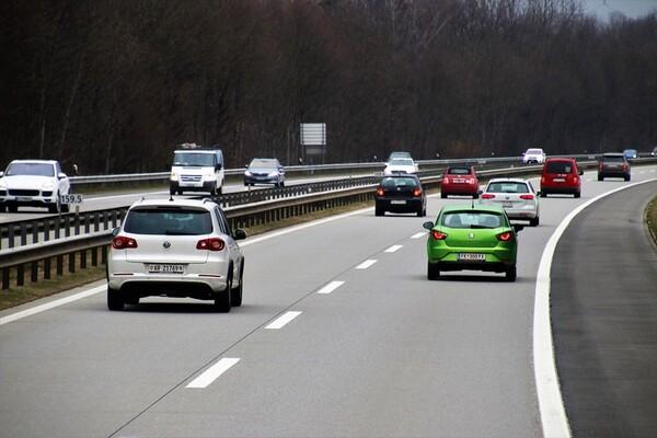 Uvoznici apeluju da država ograniči uvoz polovnih vozila
