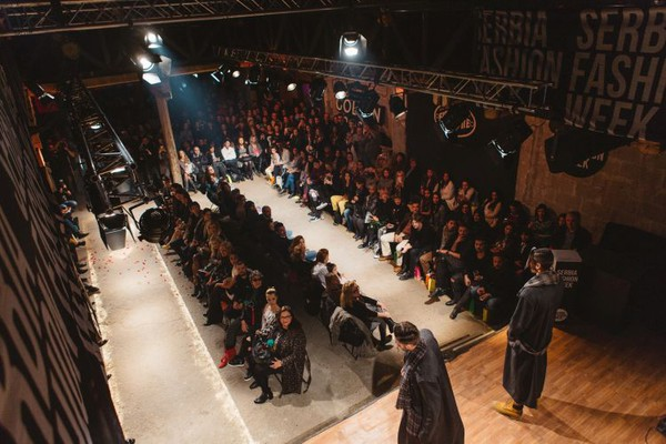 "FOTO: ""Serbia Fashion Week"" počeo u znaku Oskara Vajlda"