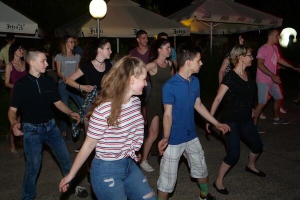 ISTRAŽUJEMO: Gde se u Novom Sadu održavaju letnje plesne žurke (FOTO)