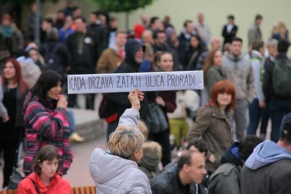 """Protest """"Protiv diktature"""" 12. put zaredom u Novom Sadu (FOTO)"""