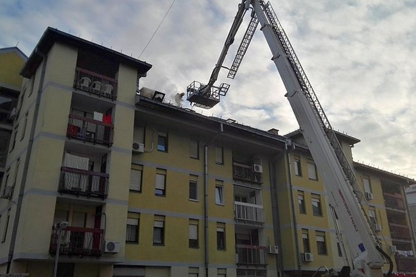 FOTO: Dvoje povređeno u požaru na Novom naselju