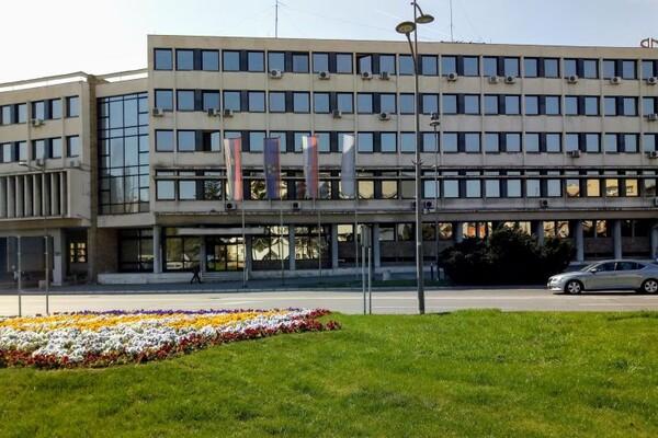 """SKUPŠTINA GRADA: Odblokiran račun JKP """"Stan"""", dr Bojatu novi četvorogodišnji mandat"""