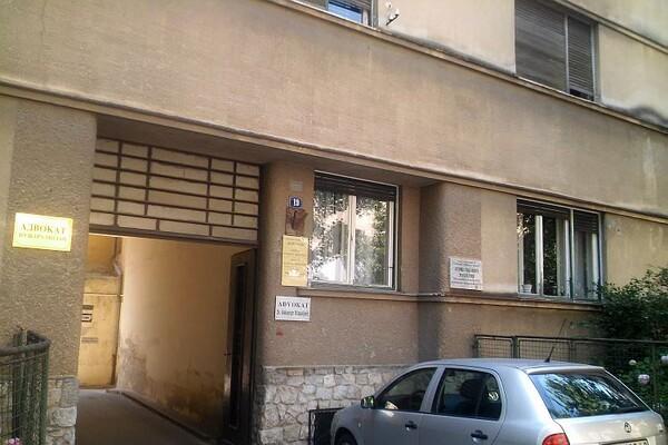 Ubijen muškarac u ulici Vase Stajića, pronađen pre deset dana