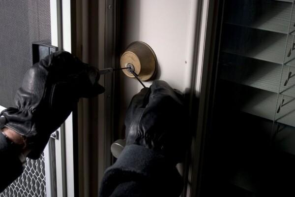 Novi Sad: Osumnjičen za krađu i pokušaj krađe
