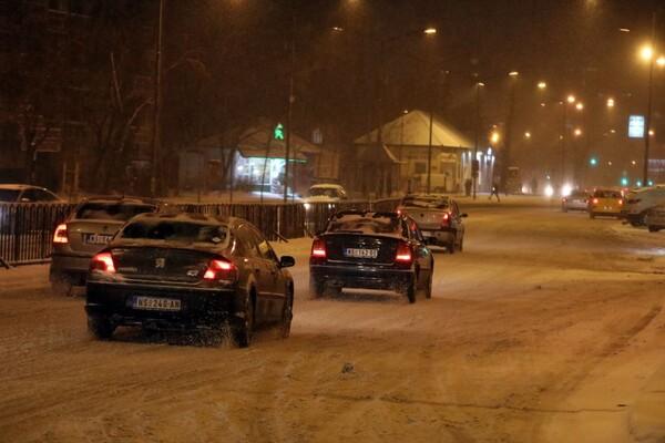 """""""Gradsko zelenilo"""" na čišćenju snega angažovalo 140 radnika i 30 vozila mehanizacije"""