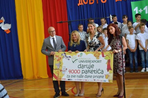 Novosadske prvake i ove školske godine obradovali poklon paketi Fondacije Univerexport