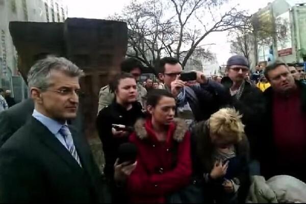 Građani opužili gradske čelnike da ruše grad i prekinuli konferenciju (VIDEO)