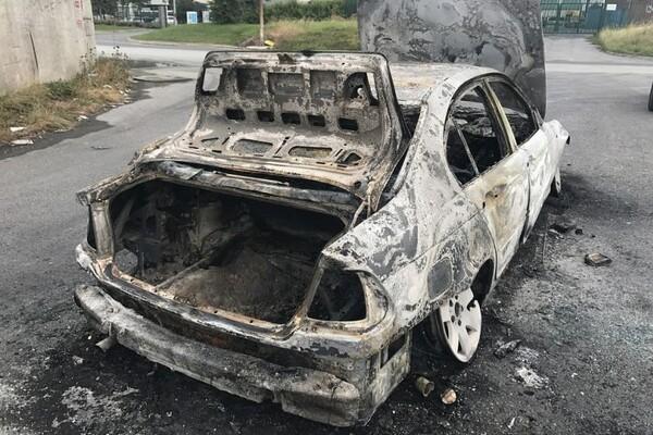 Novosadskom policajcu zapaljen automobil