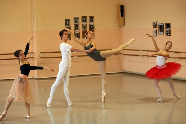 Baletska škola u godini jubileja: Od sale s furunom bubnjarom do pozorišne scene