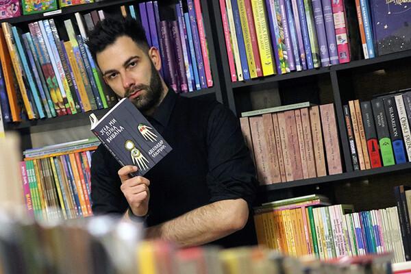 NOVOSAĐANI: U knjižari u kojoj radi postao autor najprodavanijeg romana