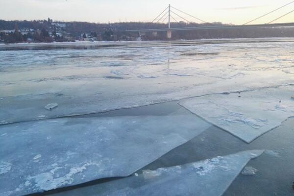 Zaledio se Dunav kod Novog Sada i Zemuna FOTO