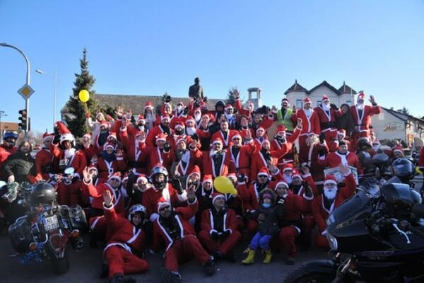 Moto Deda Mrazovi: Pokloni nisu jedino što donose bolesnoj i ugroženoj deci