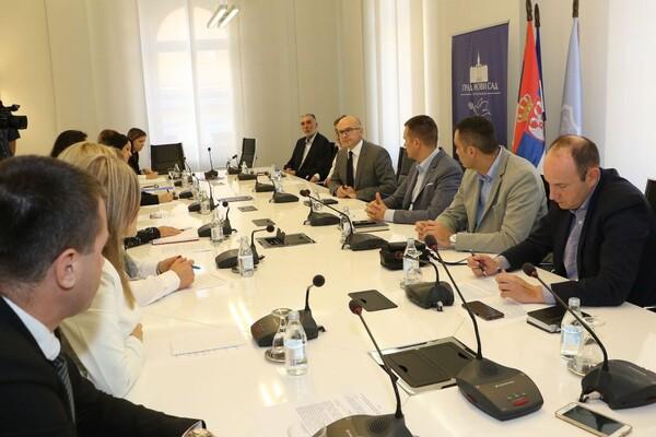 Preventivne mere za veću bezbednost učenika: Sportom protiv narkomanije u Novom Sadu