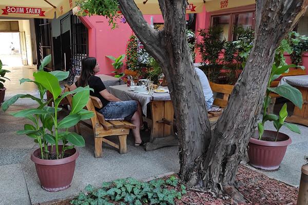 FOTO: Novosadski kafići sa skrivenim baštama – treći deo