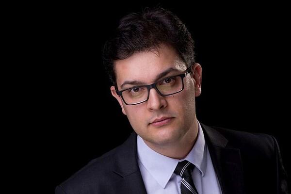Aleksandar Кojić, dirigent SNP: Trema nestaje sa prvim zvucima uvodne muzike, ali put od poziva na scenu do prve odsvirane note traje čitavu večnost