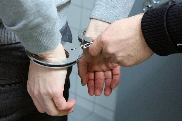 Uhapšena dva Novosađanina osumnjičena za trgovinu narkoticima