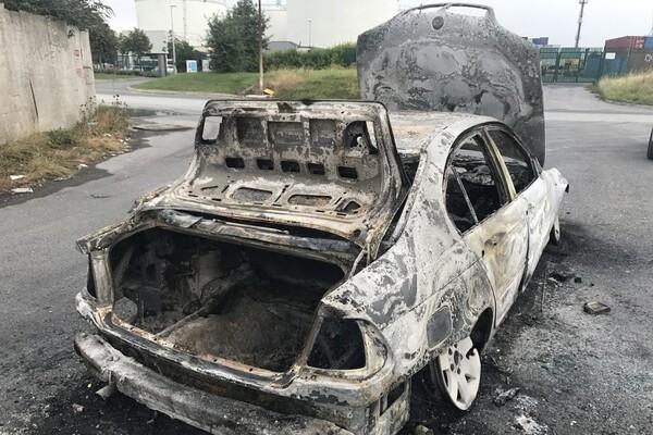 U centru Banjaluke Novosađaninu zapaljen automobil