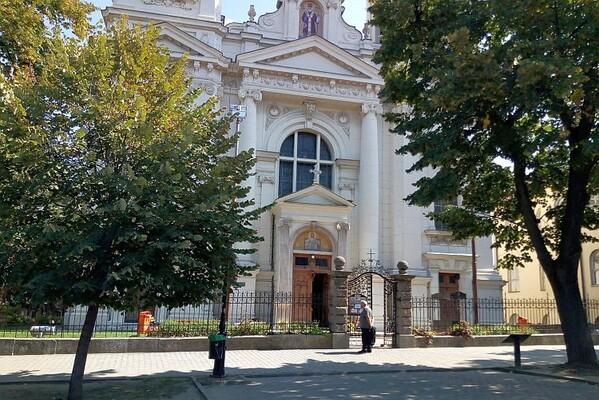 SREMSKI KARLOVCI: Radnik poginuo nakon pada s krova crkve