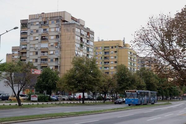 NOVO NASELJE: Radnik kablovske mreže poginuo nakon pada sa zgrade