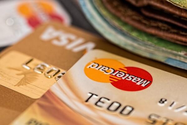 Gradska uprava: Sve takse moguće platiti platnim karticama na šalterima