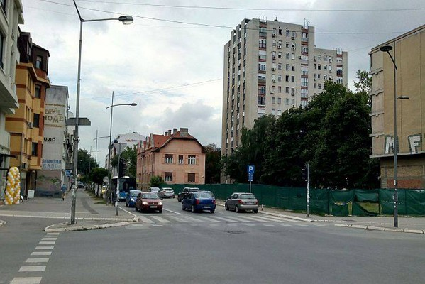 Protestni skup stanara zbog najavljene seče drveća u delu Starog grada