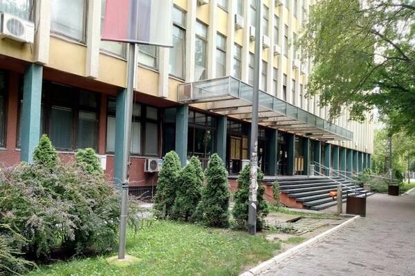 NOVI SAD: Osumnjičenom za brutalno prebijanje devojke u Kosovskoj ulici određen pritvor