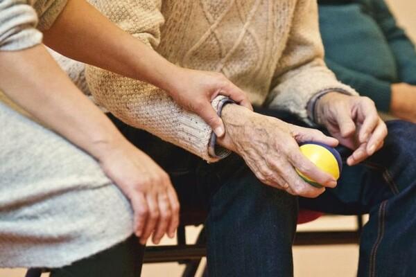 ZA NEZAPOSLENE: Besplatna obuka za negovatelje starih osoba