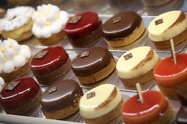 POSLASTIČARNICE IZVAN CENTRA: Evo gde još možete da pojedete odlične i neobične kolače (FOTO)
