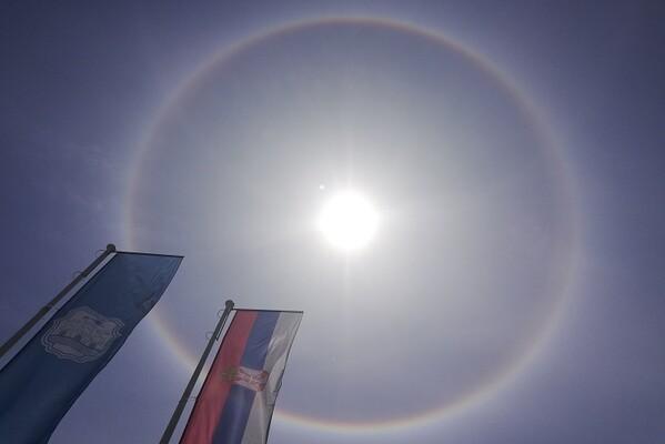 "Novosađani danas fotografisali neobičan ""oreol"" oko Sunca"