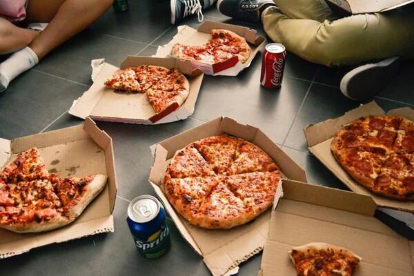 ISTRAŽUJEMO: Koju (brzu) hranu Novosađani najčešće poručuju iz fotelje