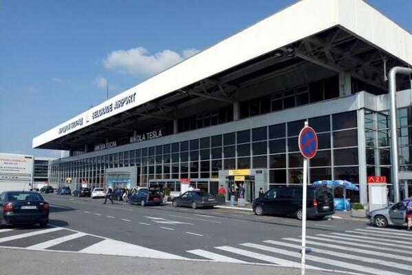 Vučić dočekao milion doza kineske vakcine na aerodromu