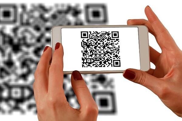 U Srbiji obavljeno prvo plaćanje mobilnim telefonom pomoću IPS QR koda