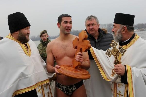 Novosadski žandarm prvi do časnog krsta kod Sremske Kamenice