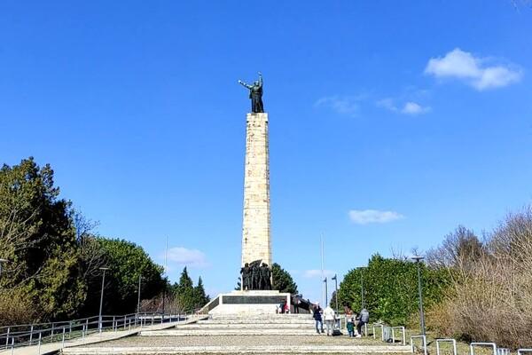 """NAŠ PREDLOG: Posetite spomenik """"Sloboda"""" na Iriškom vencu (FOTO i VIDEO)"""