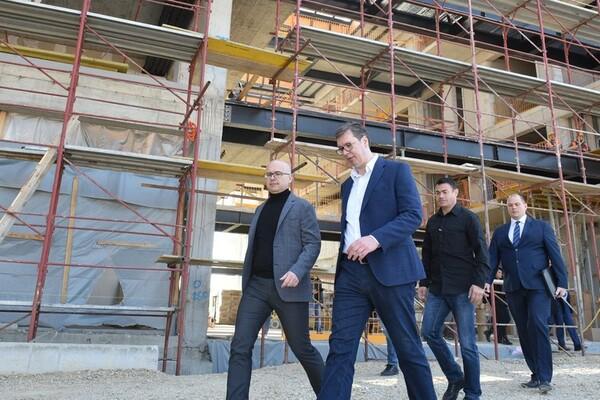 Predsednik Srbije obišao radove na izgradnji nove zgrade Radio-televizije Vojvodine