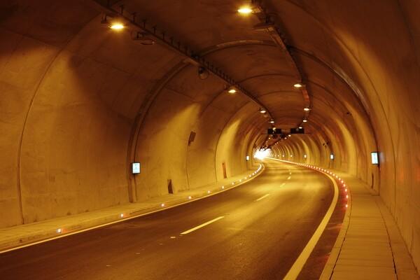Potpisan ugovor o izgradnji Fruškogorskog koridora, rok za završetak radova 15. mart 2024.