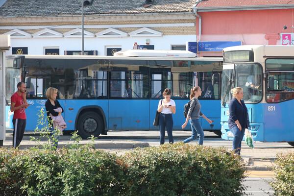 Novosađanin i državljanin BiH uhapšeni zbog krađe novčanika na autobuskom stajalištu
