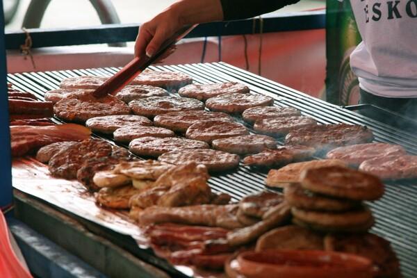 Leskovački roštilj zamirisao na Trgu republike (FOTO)