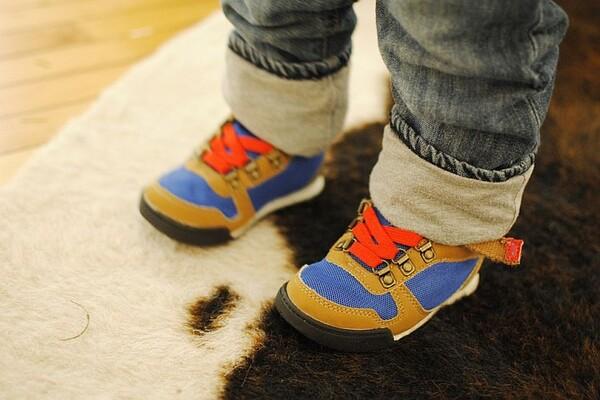 Upozorenje srpskog hirurga: Ortopedske cipelice su loše za stopala mališana