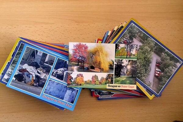 Odbornicima u gradskoj skupštini stigle razglednice Novosađana (FOTO)